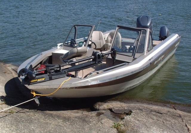 Boat rental boating fishing boats lake of the woods for Lake fishing boats