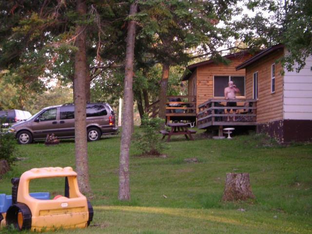 Lakeview Housekeeping Cabins on Lake of the Woods Ontario Canada: Lakefront Cabins for Fishing, Hunting, Family Vacations, Ecotourism Holidays